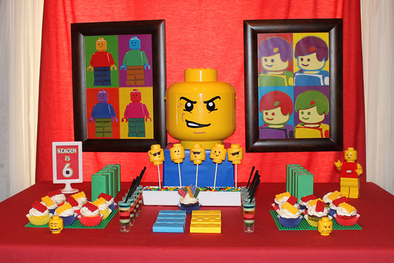 festa lego com os principais personagens da franquia
