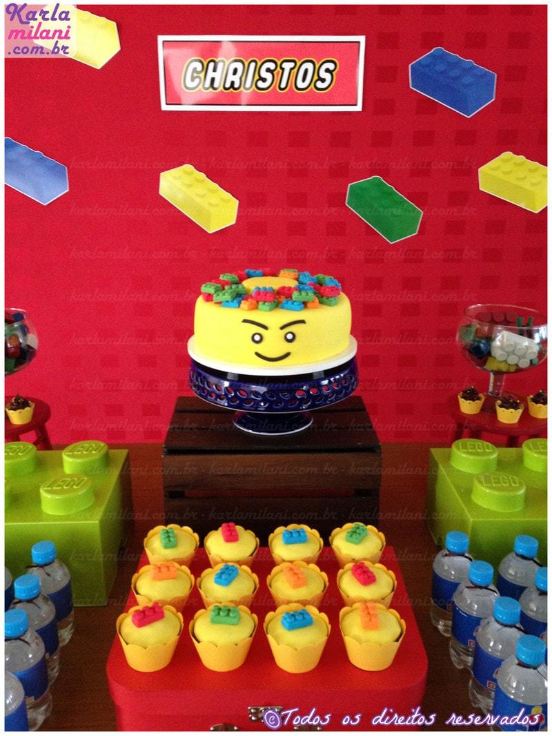Bolo de aniversário decorado estilo Lego