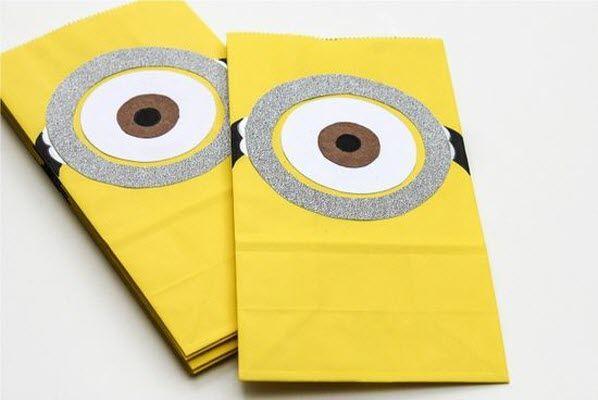 Sacolinha de papel decorativa dos Minions