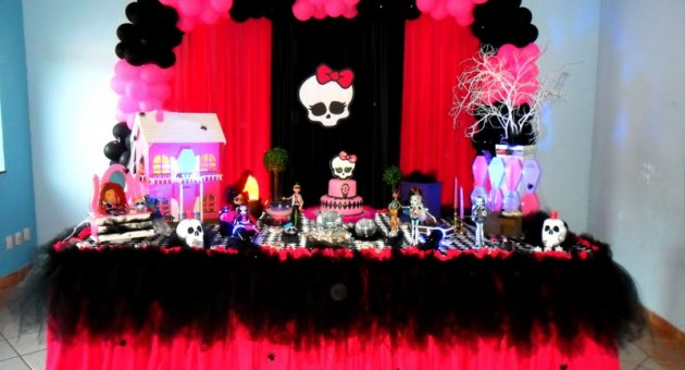festa decorada da Monster High