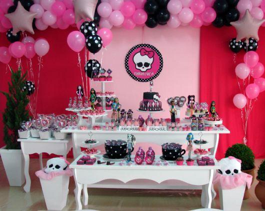 Decoração de festa Monster High estilo provençal
