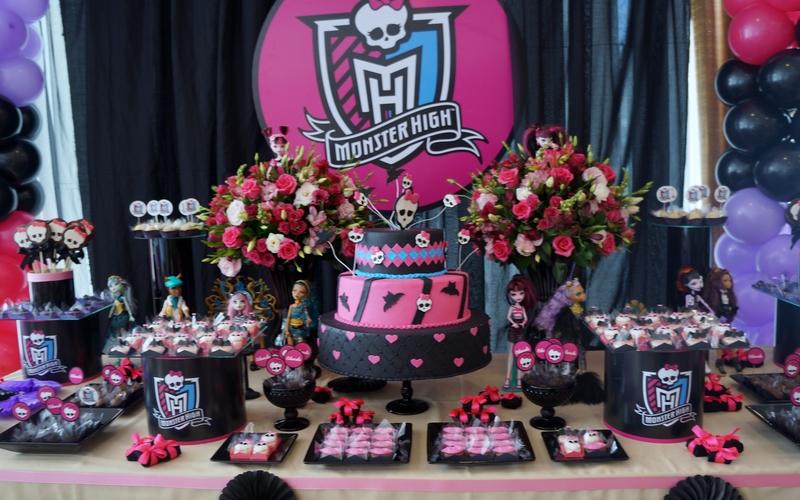 Decoração de festa tema Monster High