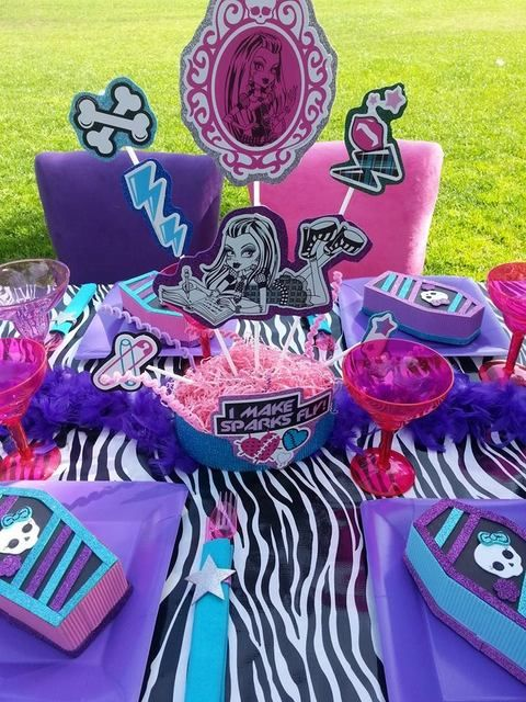 Festa ao ar livre Monster High