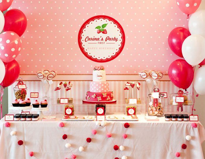 Linda decoração de aniversário da Moranguinho para festa de aniversário infantil