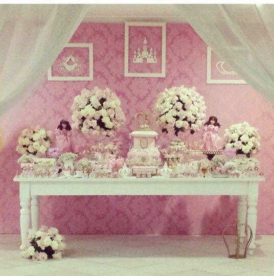 Festa de aniversário de princesas estilo provençal