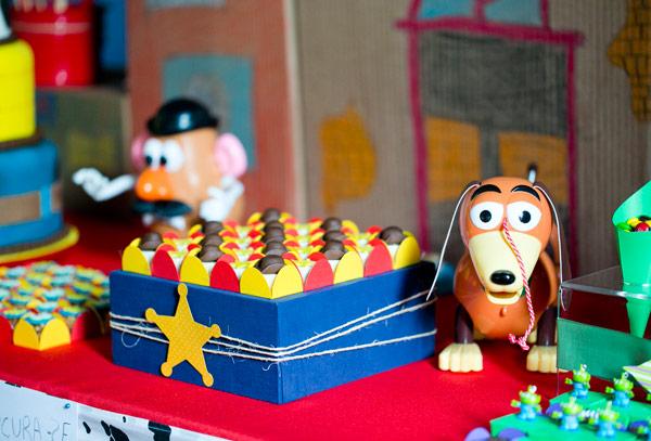Decoração de festa infantil com os personagens do filme Toy Story