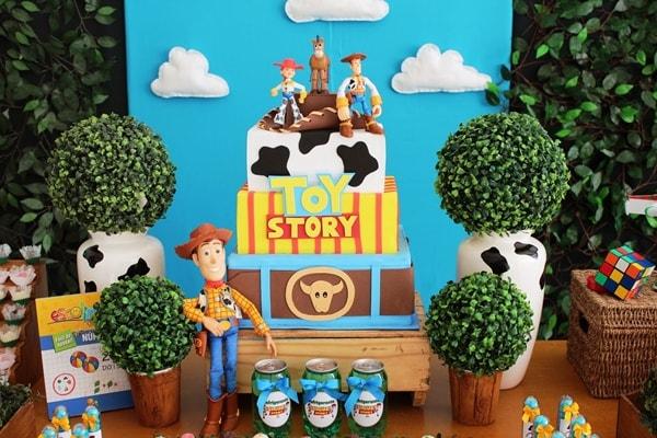 Bolo infantil decorativo para festa infantil de Toy Story