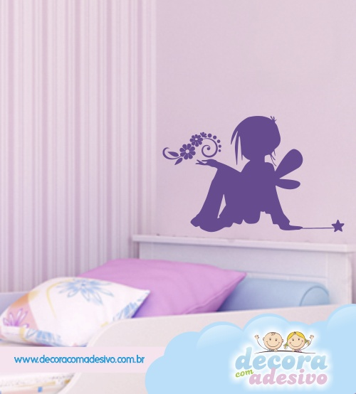 fadinha em parede de quarto infantil