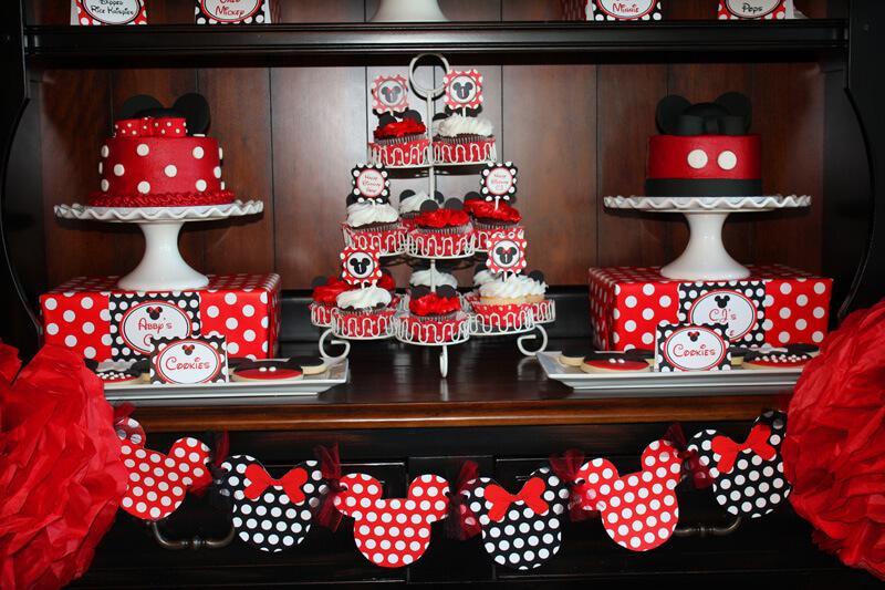 Decoração de Festa da Minnie Mouse em vermelho e preto