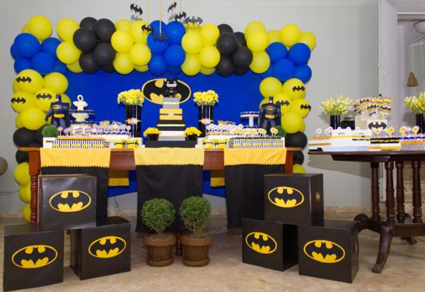 Festa de aniversário decorada tema do batman