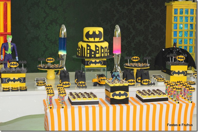 decoracao festa batman : decoracao festa batman: Batman, pen-drive do Batman, canetas, camisas, entre outros use a