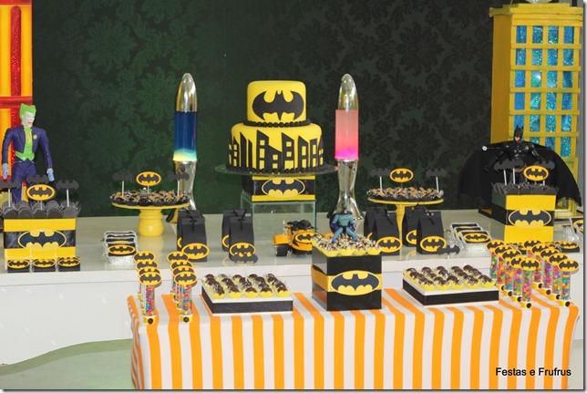 Decoração de festa do Batman estilo provençal