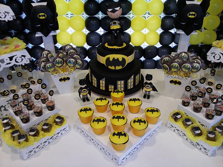 Mesa de aniversário decorada do batman