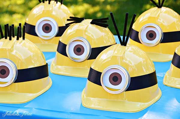 Festa Minions capacete amarelos