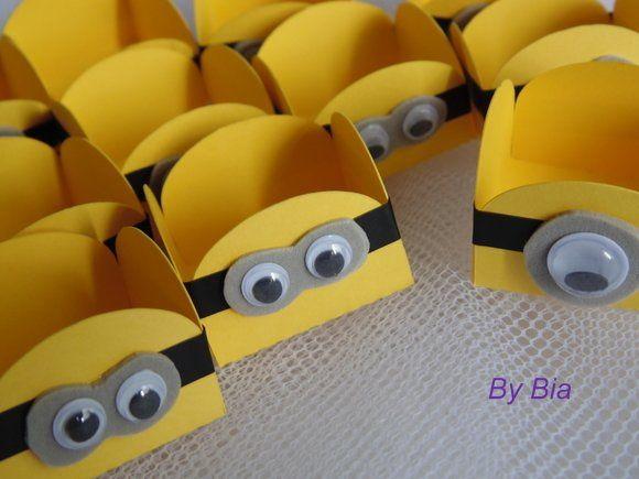 Caixinhas de papel decorada dos Minions para papel de lembrancinha