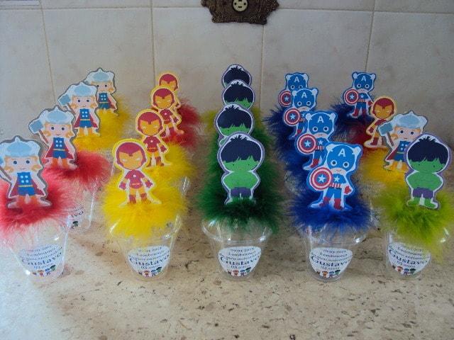 Copinhos decorados dos vingadores de lembrancinhas