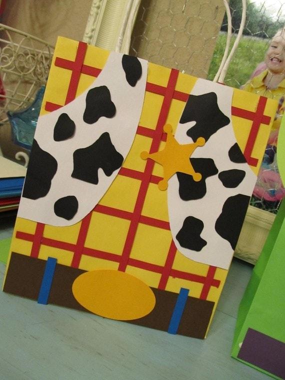 Lembrancinha de aniversário de festinha tema Toy Story