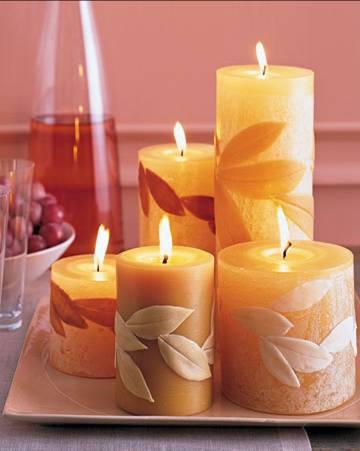 velas decorativas com folhas