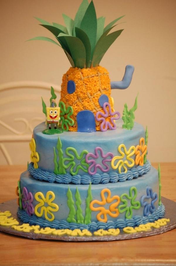 bolo decorativo de 3 níveis do Bob Esponja
