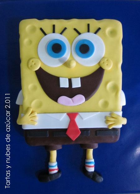 Bolo de aniversário no formato do Bob esponja