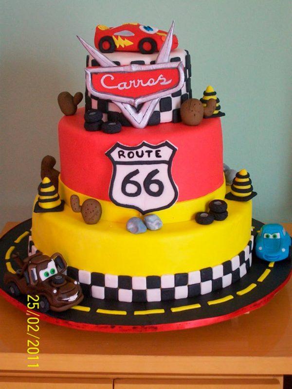 bolo de 3 níveis decorativo para aniversário infantil