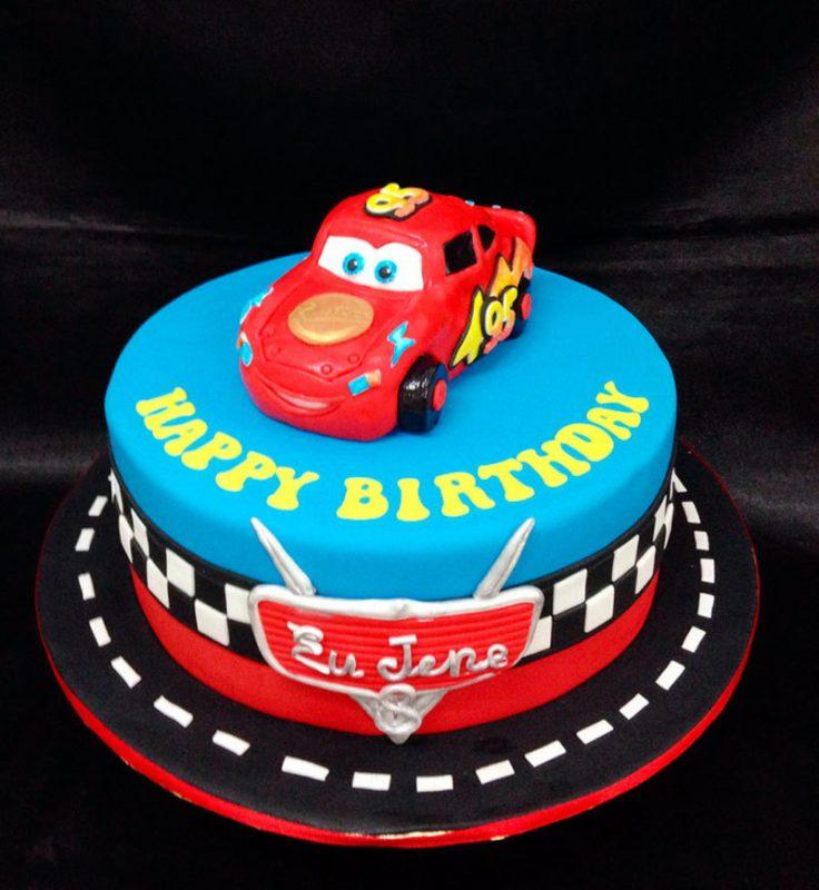 bolo e aniversário personalizado para festa infantil