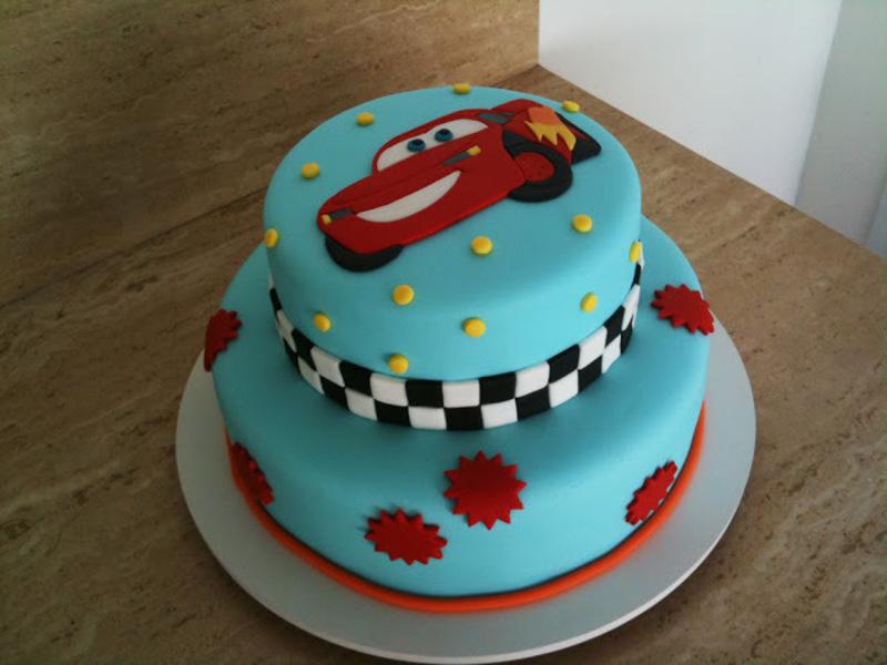 bolo infantil decorado azul