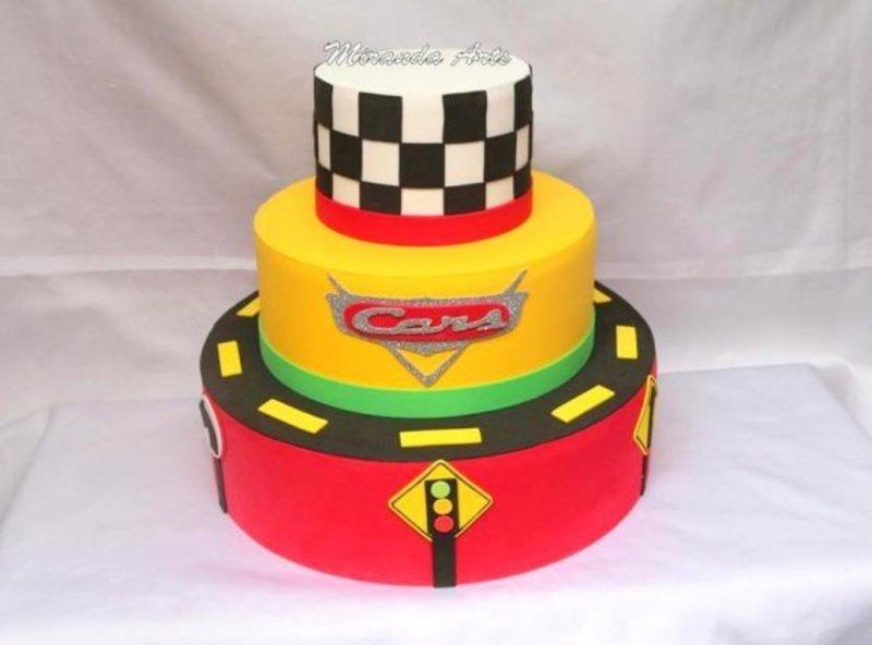 bolo decorativo de 3 níveis