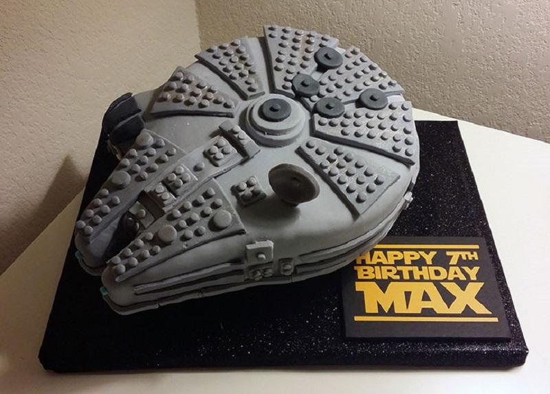 Bolo de aniversário Milenium Falcon star wars
