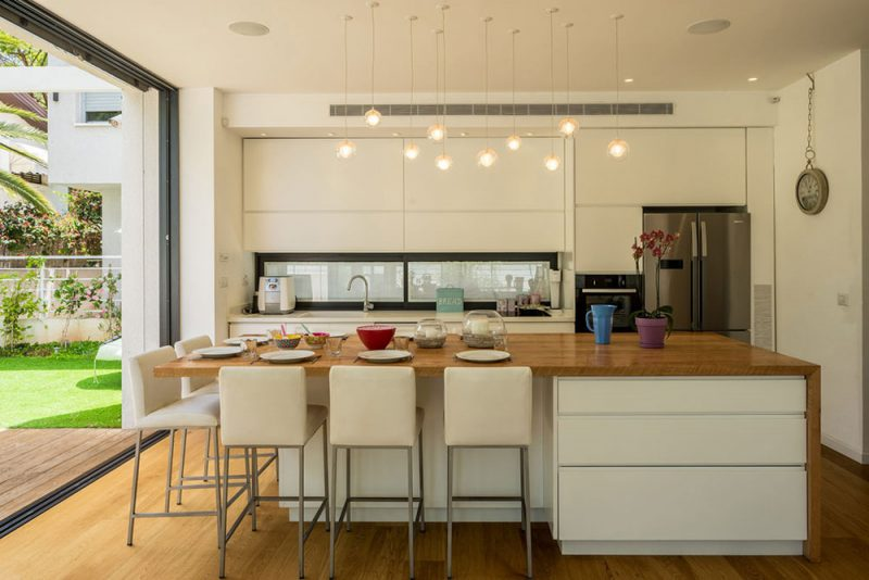 Cozinha integrada americana branca