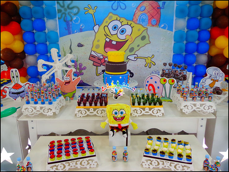 Mesa decorada do Bob esponja