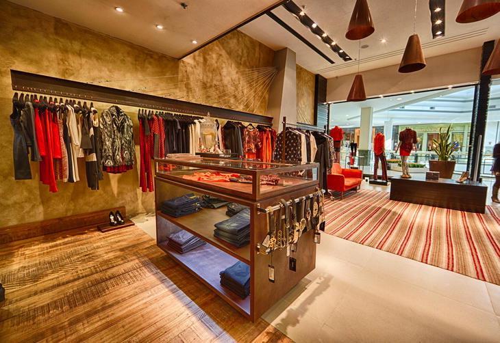 Decoração de Loja de Vestuário Rústica