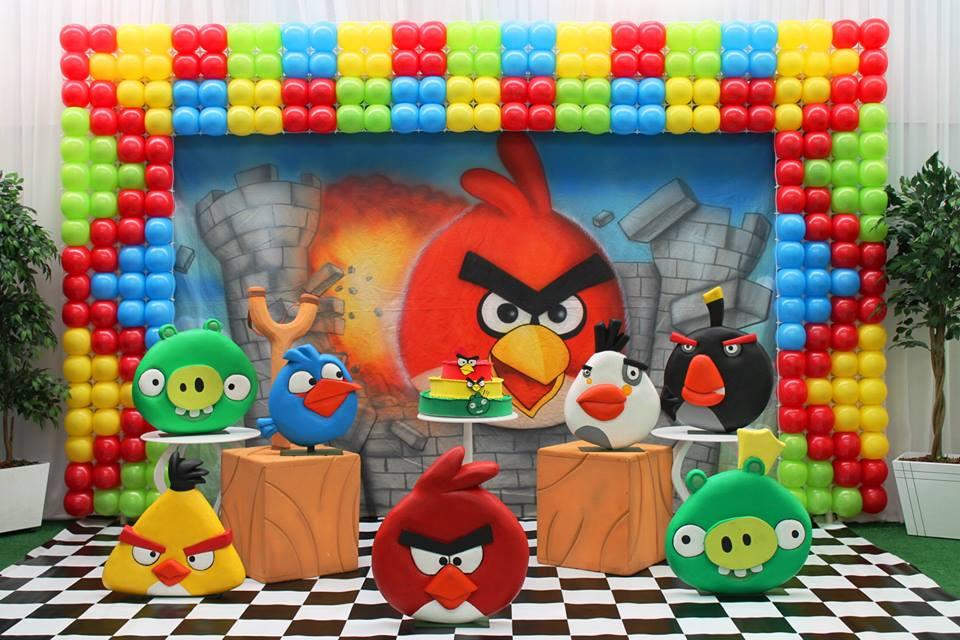 painel de balões angry birds