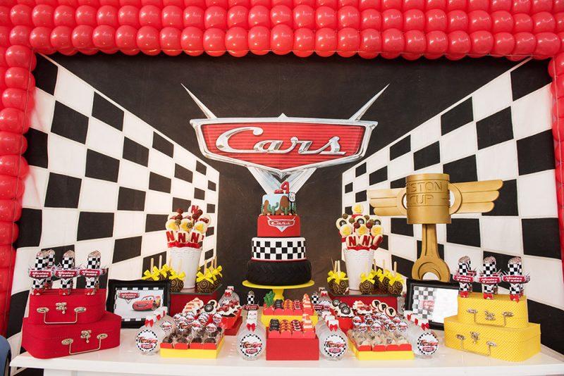 decoração de festa infantil carros da Disney