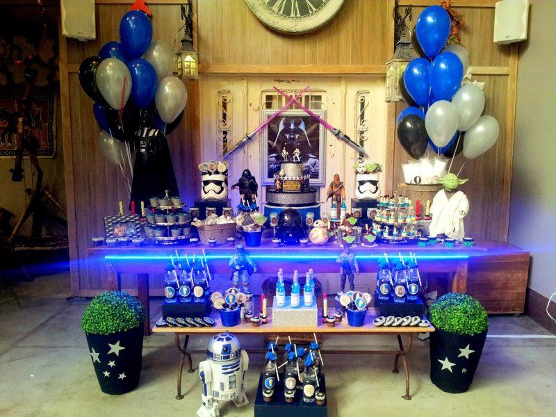 Mesa decorada de star wars para festa