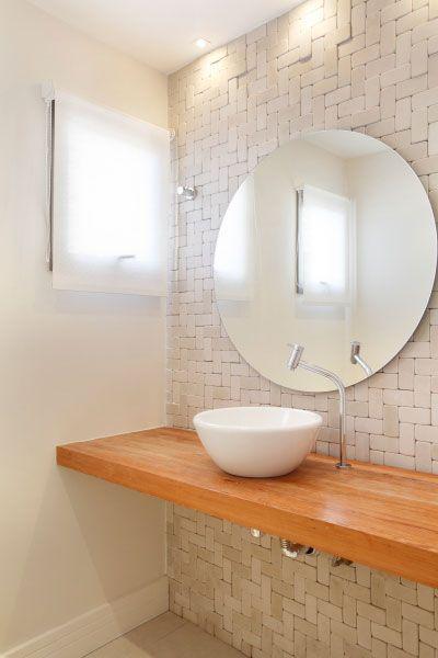 Textura de blocos em parede de banheiro