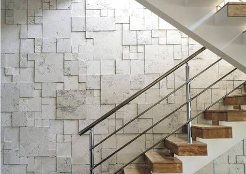 Circulação Vertical com revestimento em mosaico de mármore