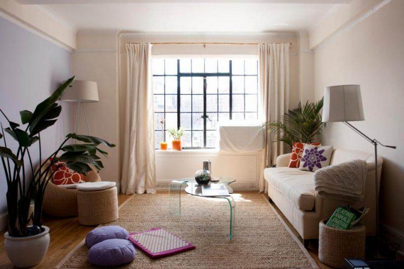 Ambiente pequeno decorado em apartamento