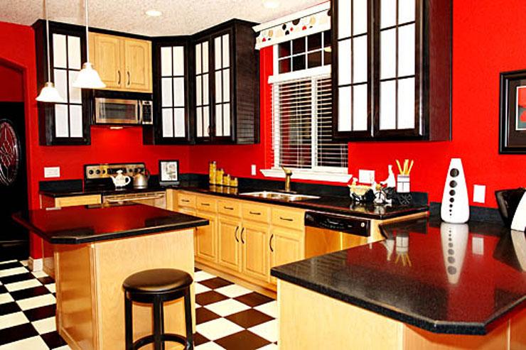 Decoração de cozinha simples, que mescla tons claros e escuros
