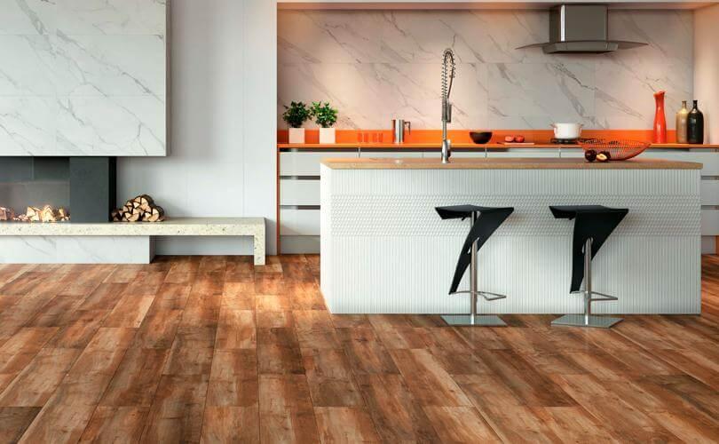 porcelanato imitando madeira em piso de cozinha residencial