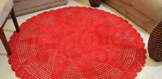 Tapete de crochê vermelho redondo