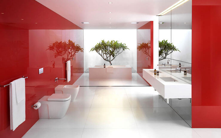 Banheiro vermelho planejado