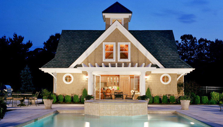 Casa com piscina em estilo Americano