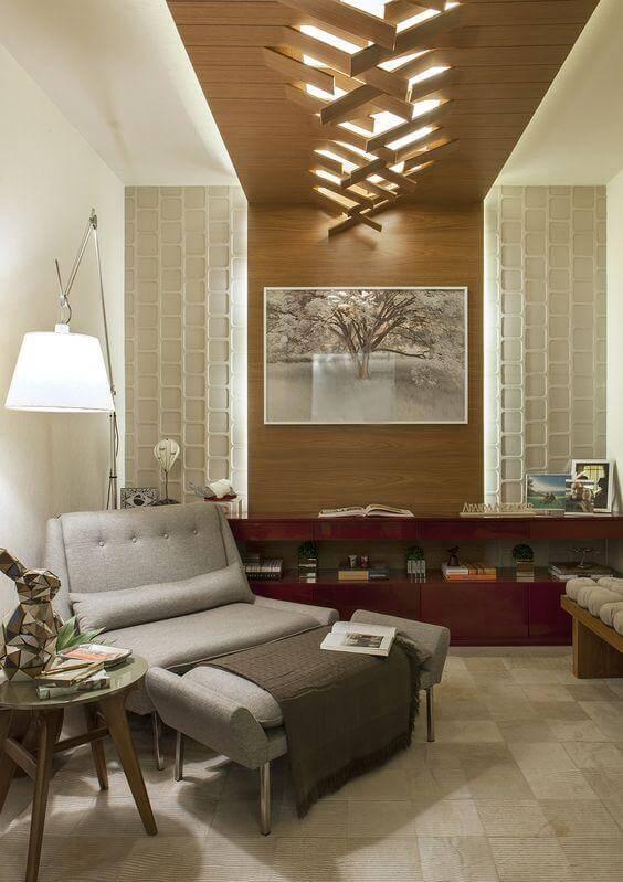 Parede de sala de estar decorada com textura de gesso tridimensional