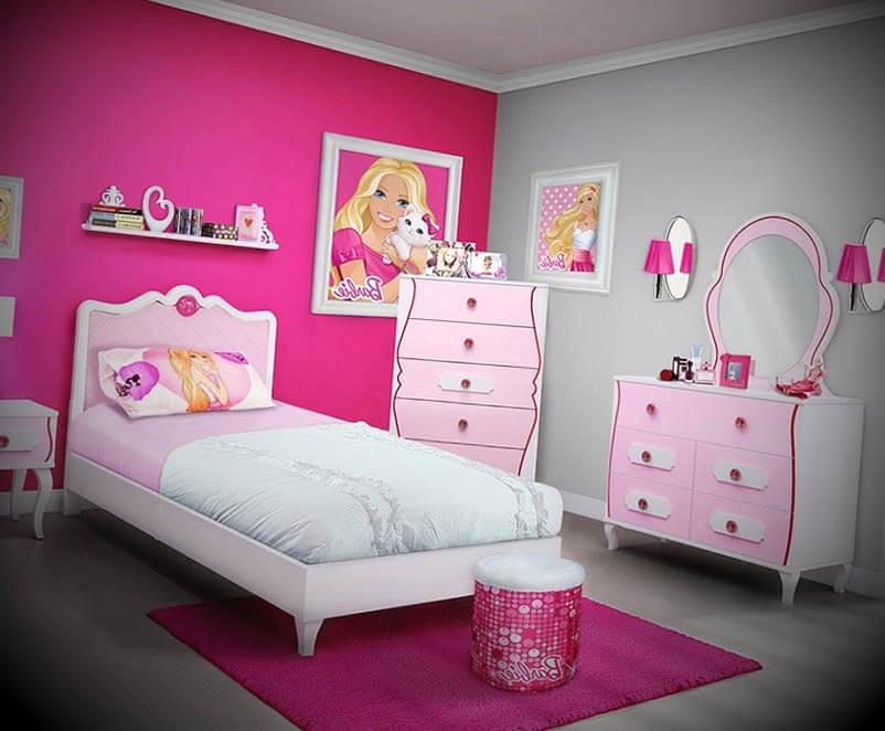 Quarto com cômodas temáticas da Barbie