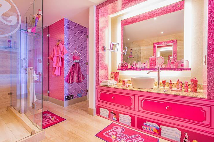 Decoração de banheiro da Barbie