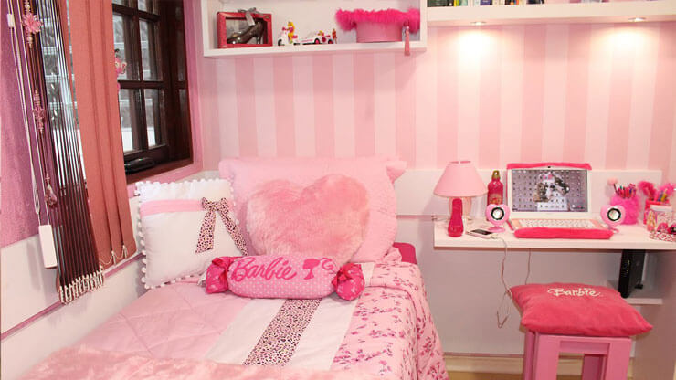 Quarto decorado rosa claro