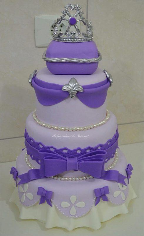 Belo bolo decorativo princesa sofia