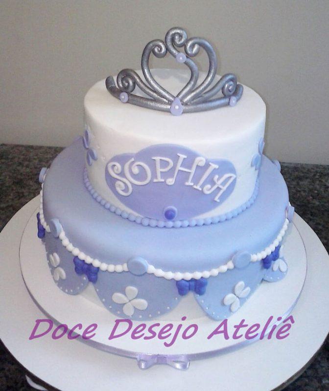 Bolo Princesa Sofia com coroa