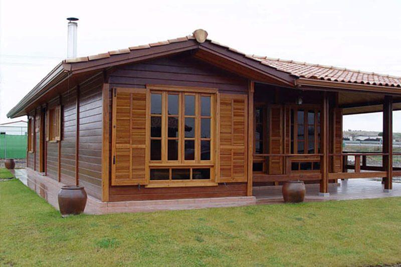 Residência de Madeira em peças pré-fabricadas